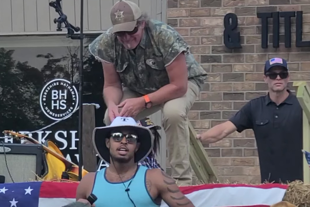 Black Man Bravely Confronts Ted Nugent, Gets Shut Down by White Audience   MetalSucks